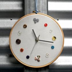 Crafty Button Clock!
