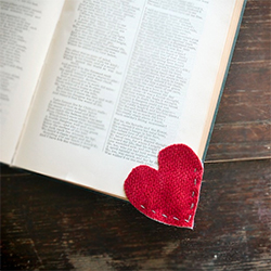 I Heart Bookmark