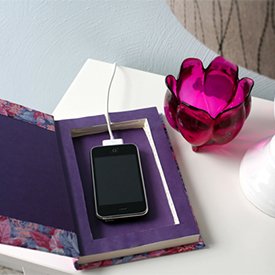 'Book It' Cell Charging Station