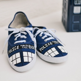 DIY: Doctor Who TARDIS shoes
