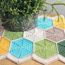 Crochet a Hexagon Table Runner