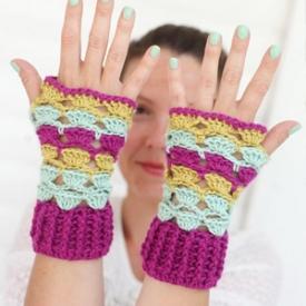 Crochet Shell Wrist Warmers