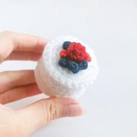 Crochet Berry Cheesecake