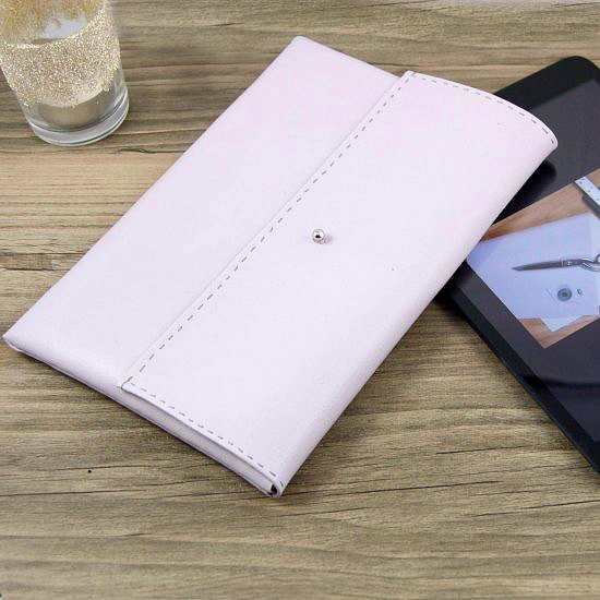"DIY ""Leather"" Tablet Sleeve"