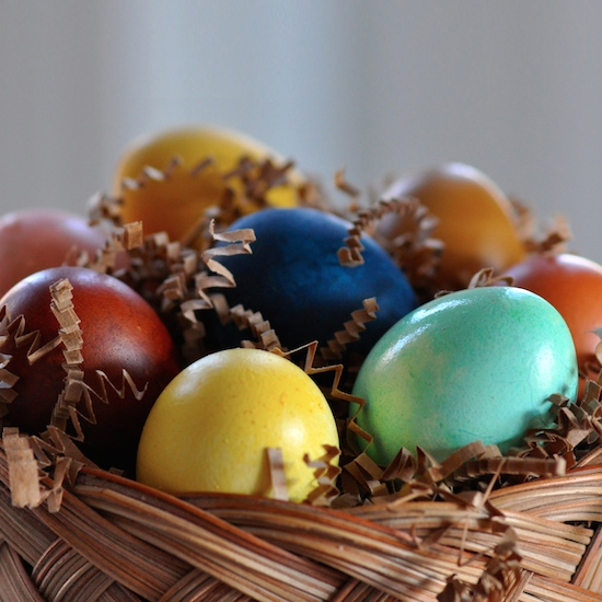 Naturally Dye Your Easter Eggs