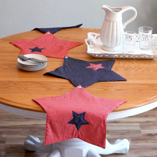 Star Table Runner and Placemats