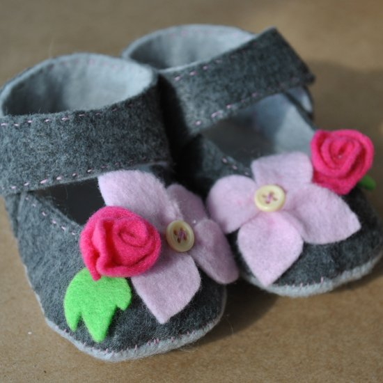 Floral Felt Baby Shoe Pattern