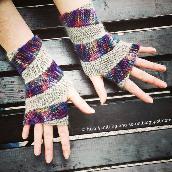 Double Helix Mitts Knitting Pattern