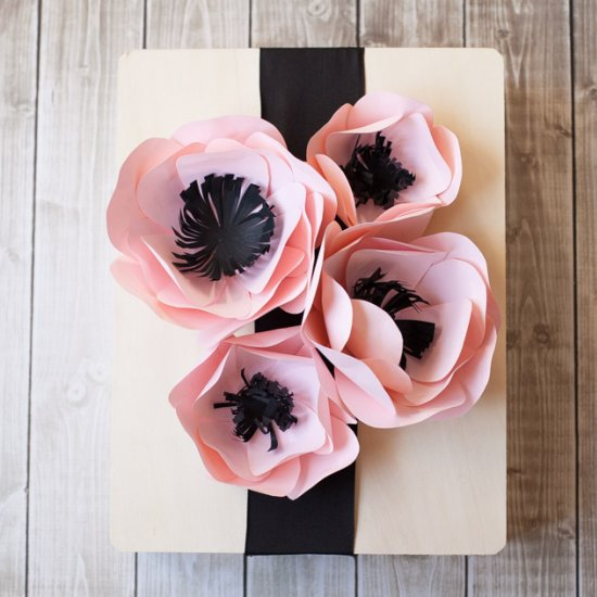 Pretty Paper Flowers for Gift Wrap