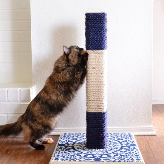 Long Lasting Cat Scratching Post