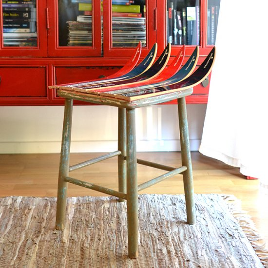make a fun stool out of old skis