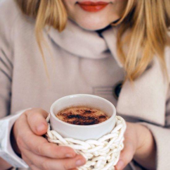 Crochet a coffee cup cosy