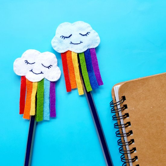 DIY Felt Rainbow Cloud Pen Topper
